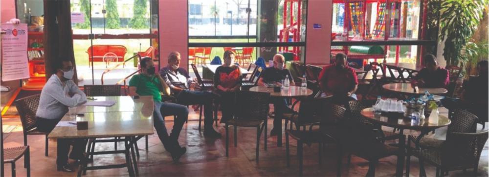 Vereador Almir Silva se reúne com empresários da alimentação - Foto: Divulgação
