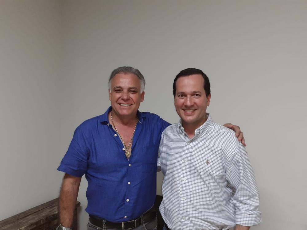 Carlão recebe Antônio Neto e declara apoio à sua pré-candidatura à Prefeito de Uberaba - Foto: Divulgação