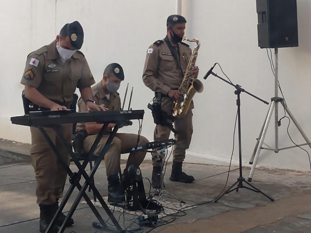Integrantes da Banda de Música da Polícia Militar participaram da homenagem - Foto: Divulgação