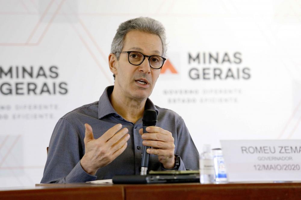 Em coletiva, Romeu Zema destaca importância dos desembolsos do BDMG na sustentação da economia mineira - Foto: Gil Leonardi/Imprensa MG