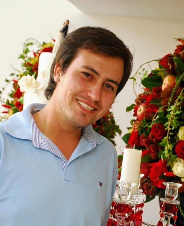 O talentoso Vânio Rodrigues, leia-se Bamboo Decoração de Festas e Eventos, recebeu merecidas homenagens e cumprimentos virtuais pelo aniversário no dia 14 de maio