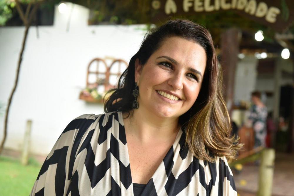 Influencer Carol Guidi Sacomani faz aniversário no dia 26 de maio e vai passar a data na bela fazenda Santo Ângelo com sua família.