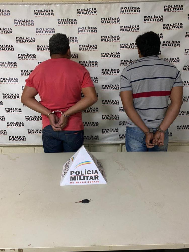 Acusados foram detidos pela PM com chave mixa - Foto: Juliano Carlos