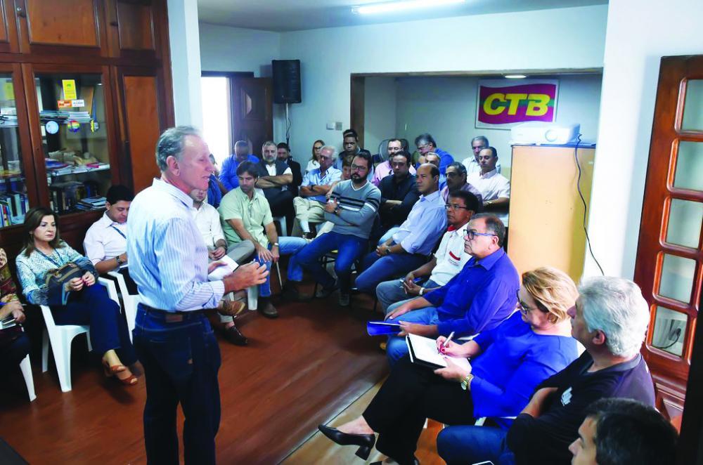 Prefeito Paulo Piau esteve no Simpro conversando sobre pontos importantes em Uberaba, em especial sobre a polêmica da coabitação/municipalização da Educação