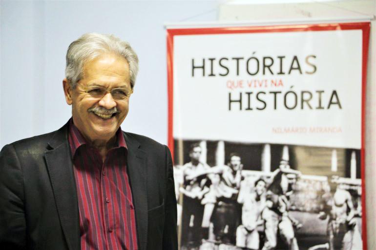 """Ex-secretário Nilmário Miranda participa, hoje, de noite de autografo do livro """"História que vivi na História"""", na sede do Sindicato dos Bancários"""