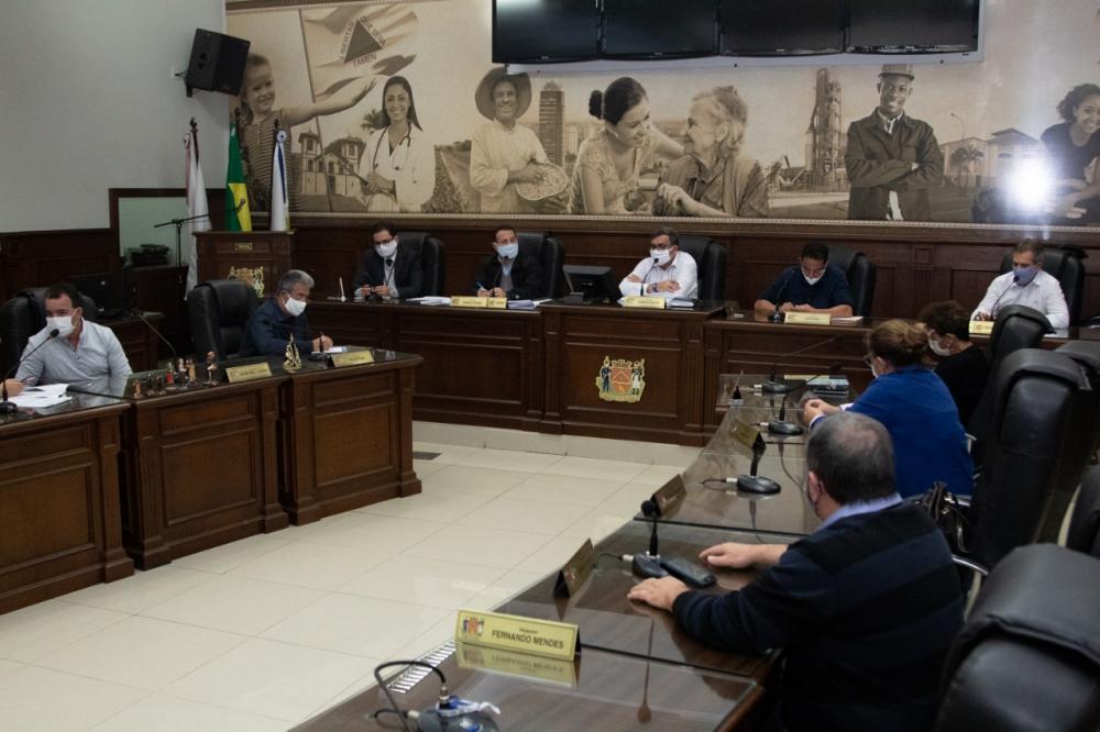 Vereador Rubério Santos, lembrou a necessidade de atualizar a regulamentação do uso de antenas - Foto: Rodrigo Garcia/CMU