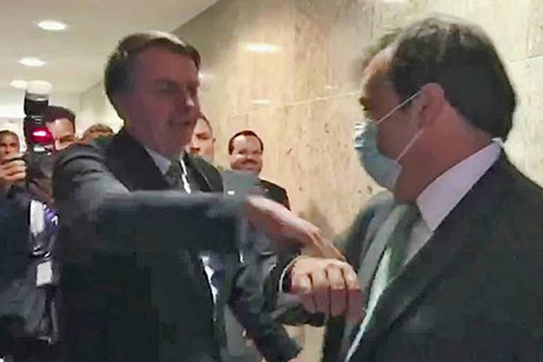 Ao lado de Rodrigo Maia o presidente Jair Bolsonaro diz ter compromisso com a Constituição - Foto: Divulgação