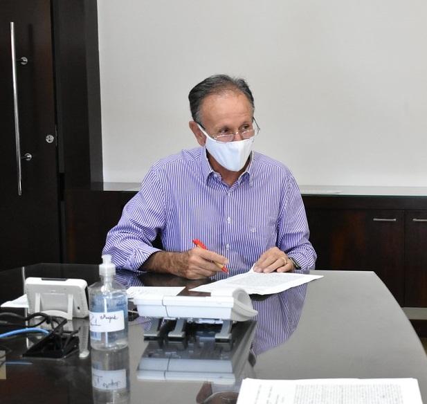 Prefeito Paulo Piau lembra que as fiscalizações foram intensificadas com apoio da Polícia Militar - Foto: Marco Aurélio/PMU
