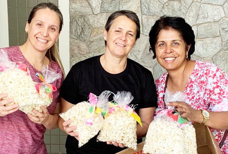 O grupo Doze Guerreiras está promovendo durante o mês de junho o seu 3º Arraial Solidário distribuindo às famílias carentes cestas juninas através de instituições locais