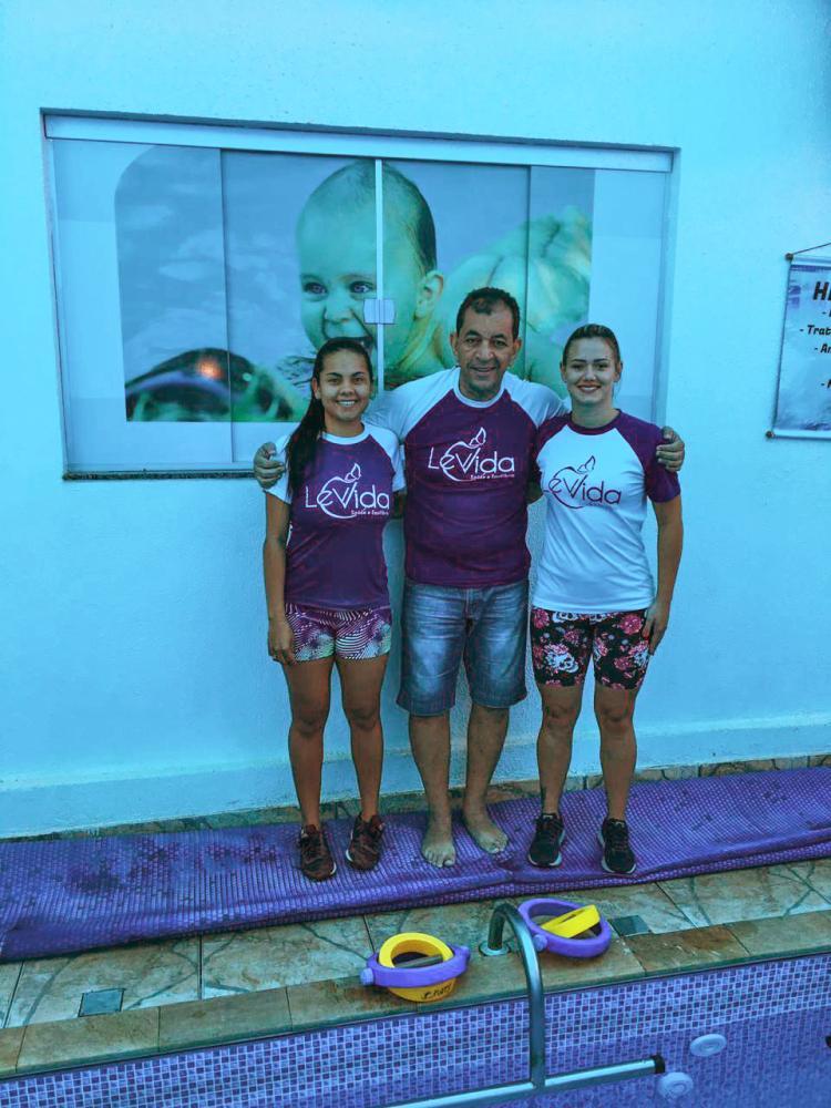 Clínica Lev Vida oferece natação para bebês e crianças, hidroginástica e hidroterapia com metodologia própria e parceria com médicos especialistas.