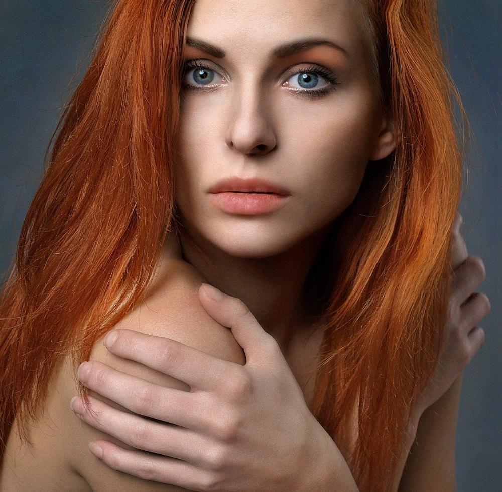 A cor é incrível e está com tudo nesse inverno. Que tal mudar esse visual? Sorte de quem tem madeixas naturais, afinal, dizem que cabelos ruivos não ficam grisalhos!
