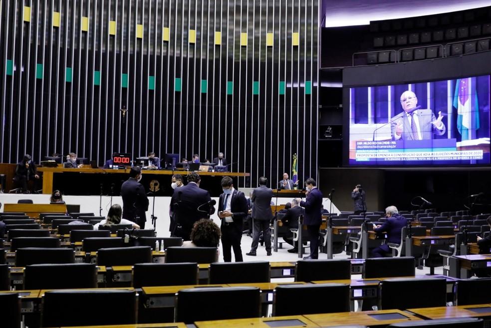 Plenário da Câmara durante a sessão de ontem, durante votação da PEC das eleições - Foto: Maryanna Oliveira/Câmara dos Deputados