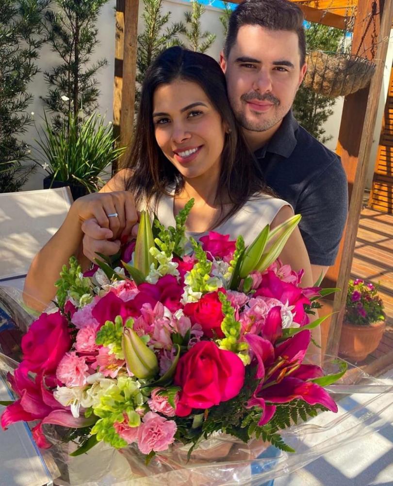 Mariana Allem disse sim ao pedido de casamento do namorado Guilherme Barbosa!