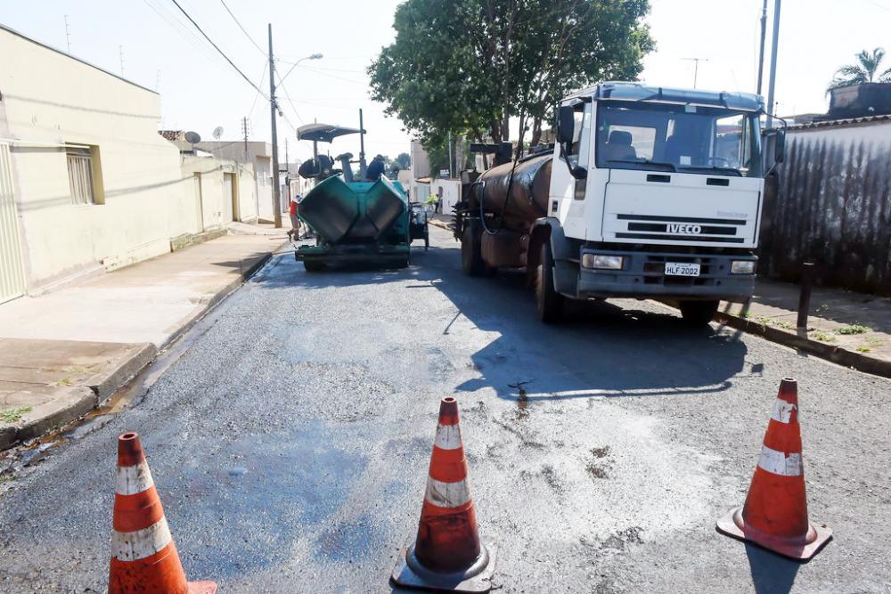 Prefeito Paulo Piau acompanha os andamentos das obras por toda Uberaba