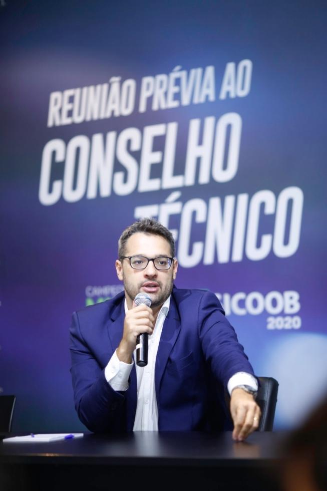 Convocação foi feita aos representantes das equipes na manhã de ontem pelo diretor de competições da FMF Leonardo Barbosa - Foto: Hoje em Dia