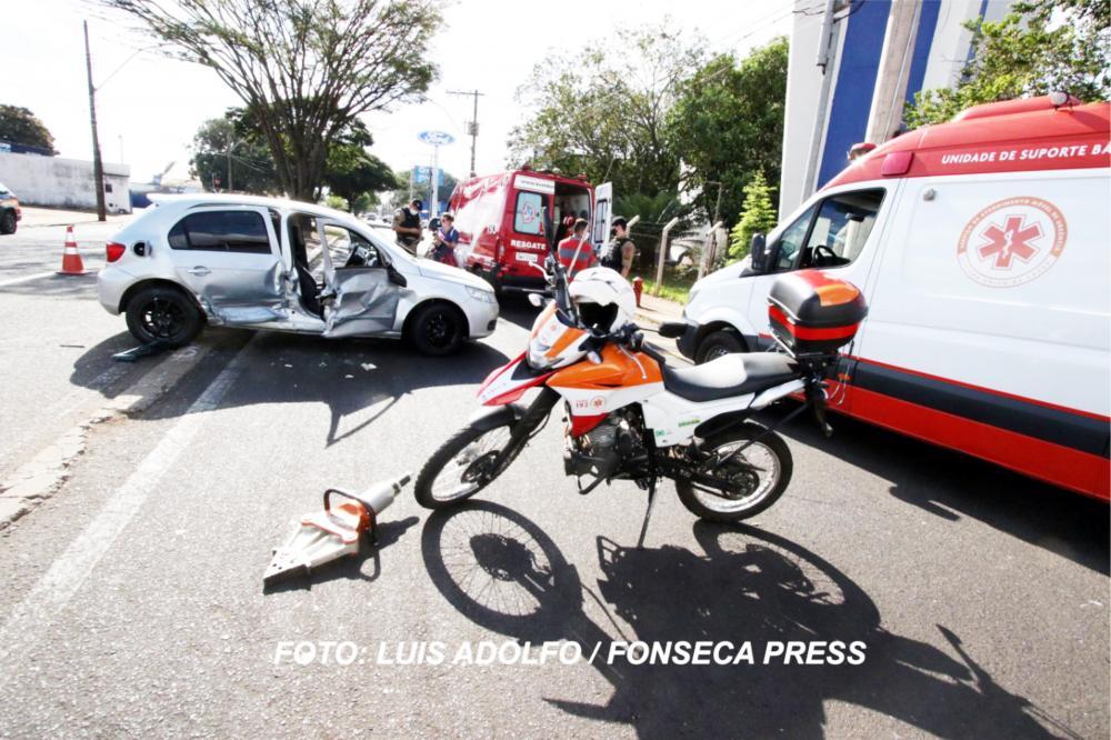 Veículo ficou bastante danificado após o acidente - Foto: Luis Adolfo/Fonseca Press