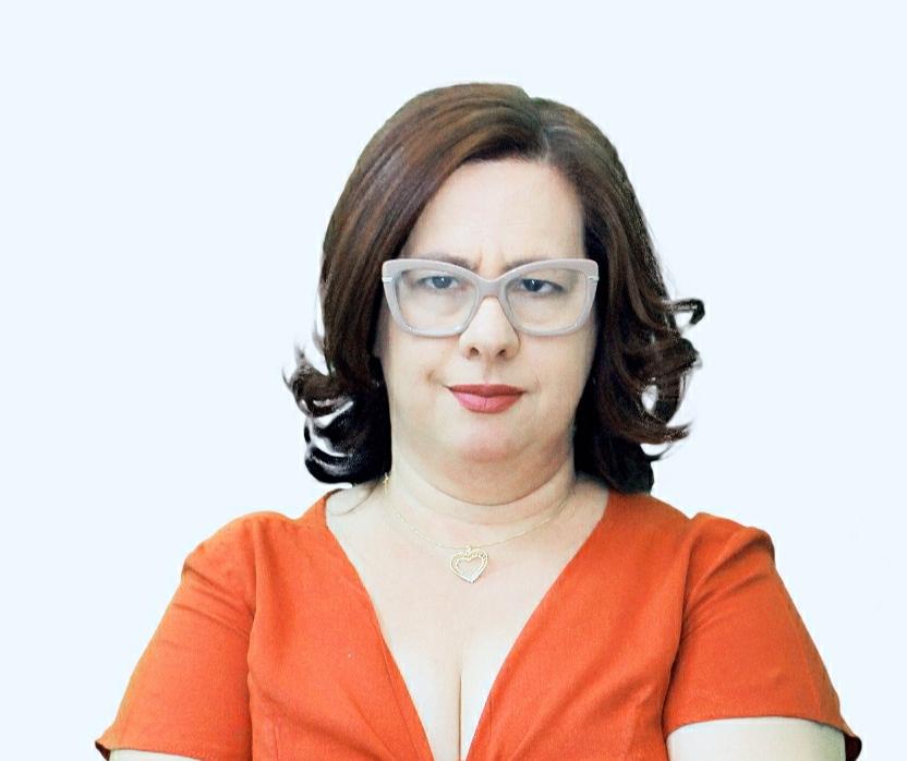 A competente jornalista e radialista Márcia Mara da Silva, que também se destaca na coordenação do Projeto Solidariedade, é a aniversariante do próximo sábado (25)