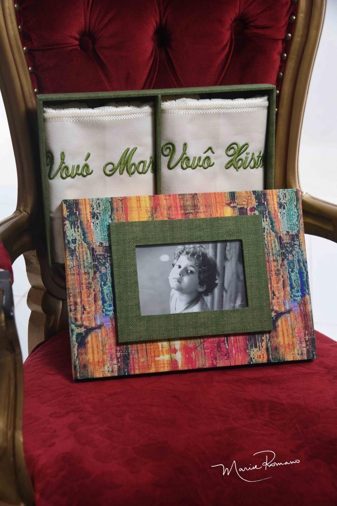 @atelie.andrezzaarduini fez lindos presentes personalizados e criativos para o Dia da Vovó e do Vovô. Andrezza atende pelo 99141-0884