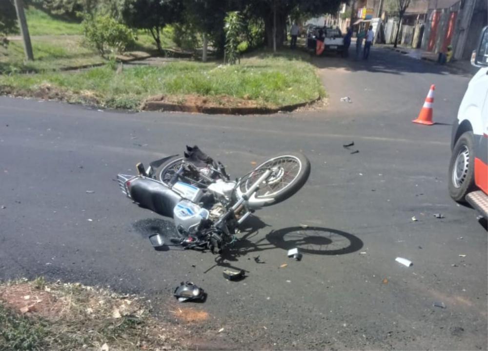Motocicleta ficou destruída após o acidente - Foto: Juliano Carlos