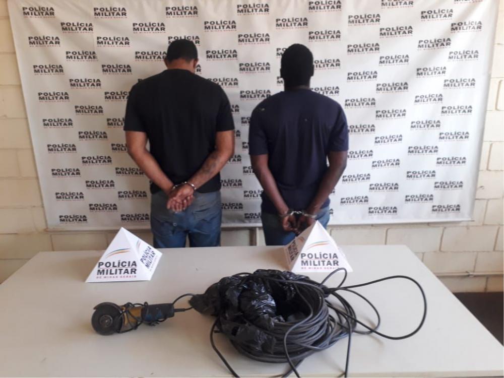 Fios de energia furtados foram recuperados com os acusados - Foto: Juliano Carlos