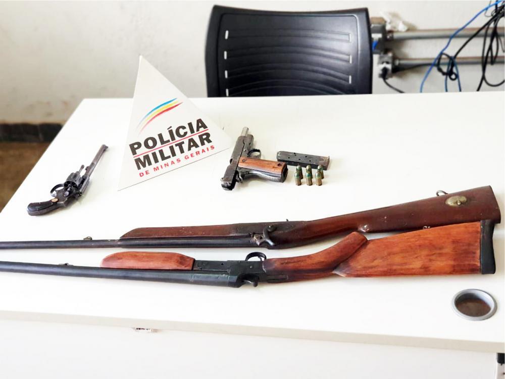 Armamento foi apreendido após denúncias anônimas - Foto: Juliano Carlos