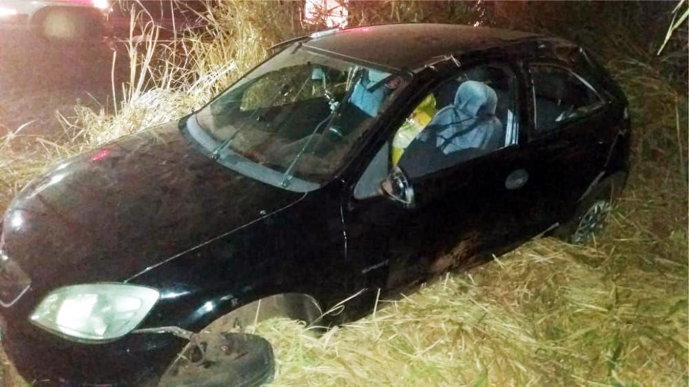 Carro ficou destruído após o acidente - Foto: Juliano Carlos