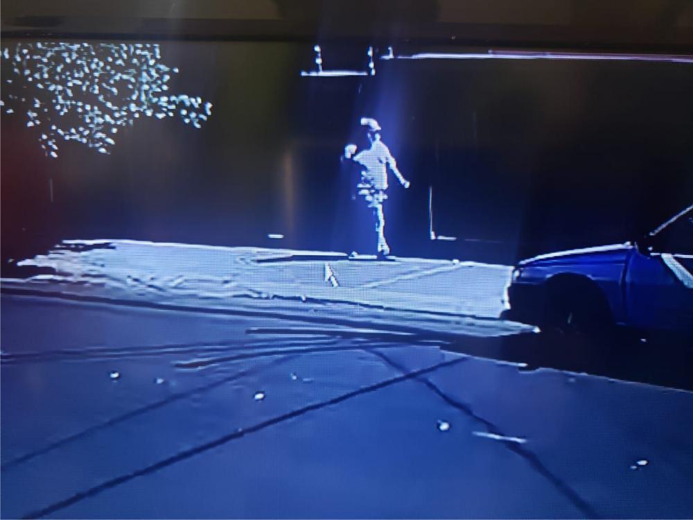 Bandido foi flagrado por câmeras de segurança - Foto: Divulgação