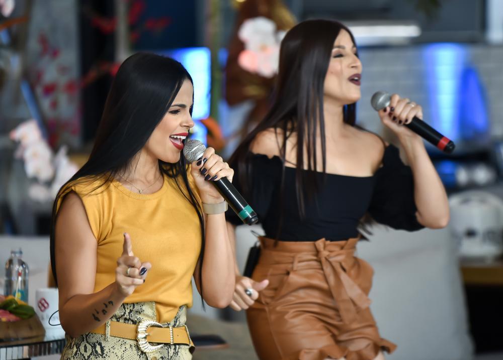 A dupla Suellen & Francielly é a atração do Mix Mania On-line de hoje- Foto: André Santos