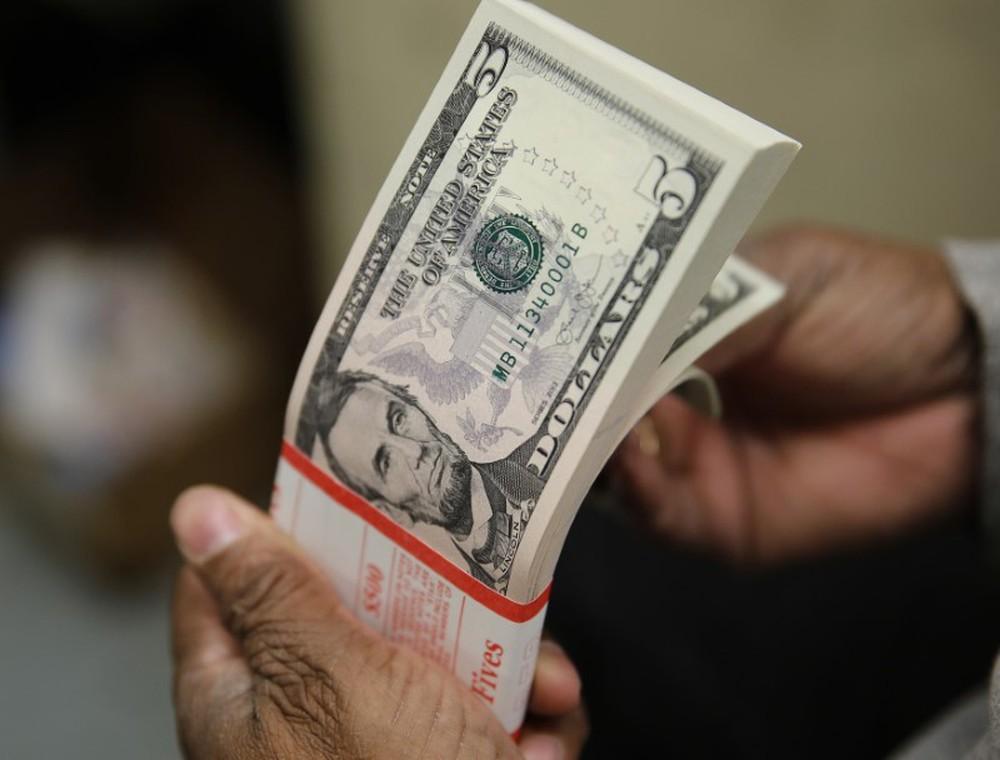 Moeda norte-americana terminou a sessão em alta de 1,13%, vendida a R$ 4,1250