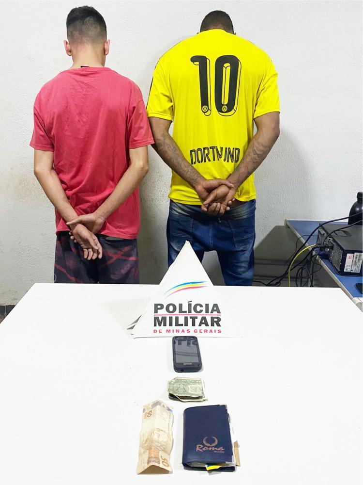 Acusados foram detidos com materiais da vítima - Foto: Divulgação
