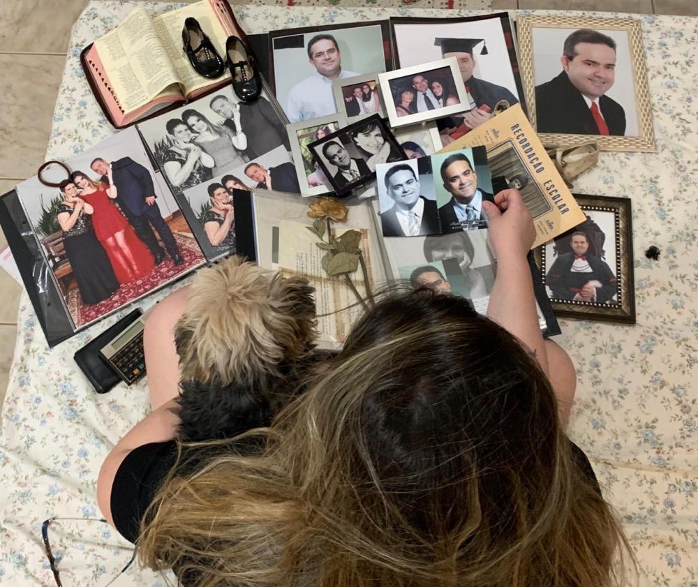 Amanda Resende Borges, uberabense, de 23 anos, órfã de pai e mãe desde 2015, é acadêmica de Medicina no Centro Universitário Imepac, em Araguari, e luta para continuar seu sonho de ser médica - Foto: Divulgação