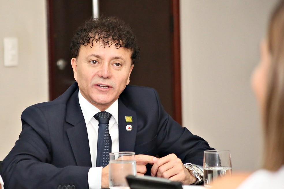 Tony Carlos (MDB)