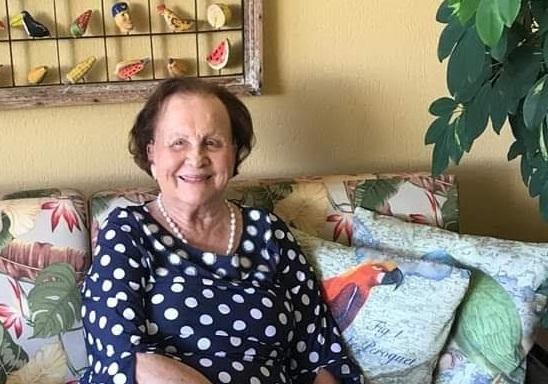 A querida tia Cidinha Alvarenga Cunha Castro é a homenageada especial de hoje, pelo seu aniversário