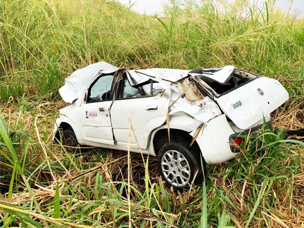 Carro ficou completamente destruído após o acidente - Foto: Juliano Carlos