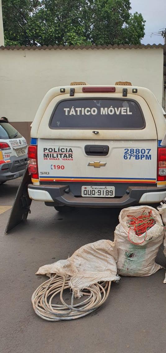 Materiais furtados foram apreendidos com o suspeito - Foto: Juliano Carlos
