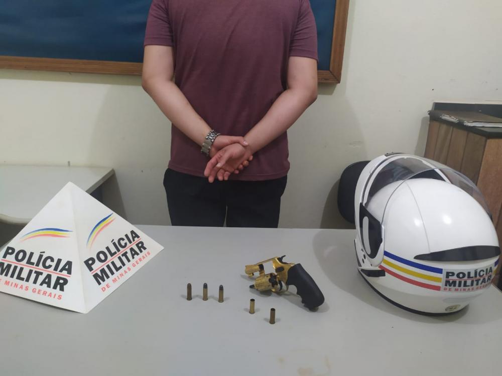 Arma foi apreendida com o acusado - Foto: Juliano Carlos