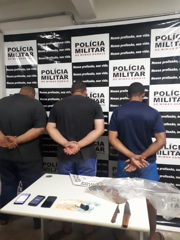 Ferramentas e dinheiro foram apreendidos com os acusados: Carne de gado foi encontrada - Fotos: Juliano Carlos