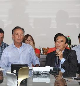 Paulo Piau e Heli Andrade são denunciados por uso da estrutura da Prefeitura Municipal de Uberaba - Foto: Divulgação