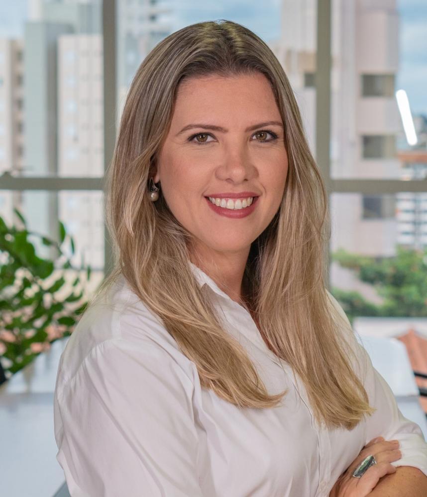 Elisa Araújo