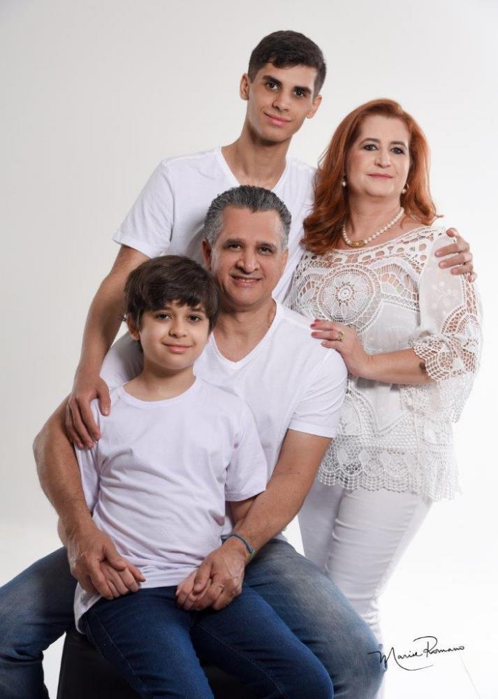 Andréia Cristina de Melo e Nilson de Lima com os filhos Rafael e Felipe Melo Lima, sempre unidos, vão passar o Dia da Família em paz