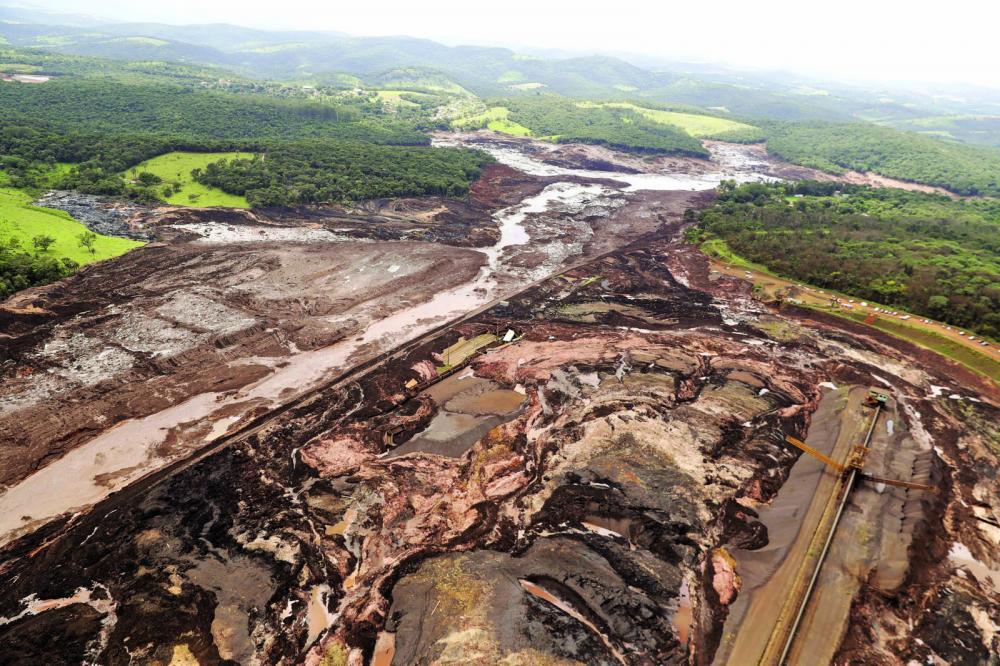 Vista aérea da destruição causada pelo rompimento da barragem da Vale em Brumadinho