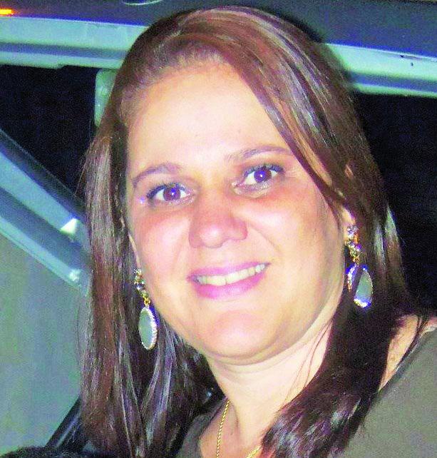 A bela Ana Paula Afonso vai comemorar o aniversário em alta, sempre, rodeada dos melhores. Parabéns.