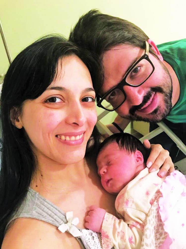 Nina com os Pais Mariella Massa Piva e Rafael Fernandes Piva