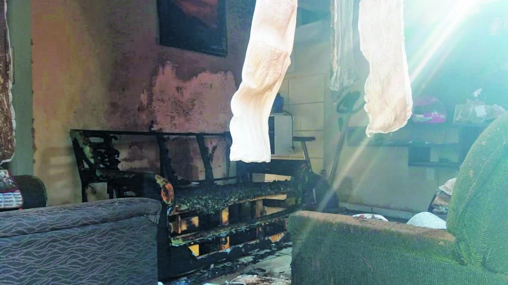 Incêndio destruiu parte da casa no Rio de Janeiro
