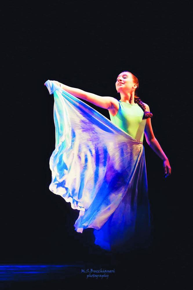 """Beth Dorça Cia de Dança abriu o """"Estação da Moda"""" do Shopping Uberaba em evento de abertura top! realizado ontem na Praça de Eventos daquele Mall."""