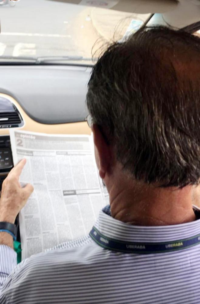 Prefeito Paulo Piau confere todas as notícias do JORNAL DE UBERABA