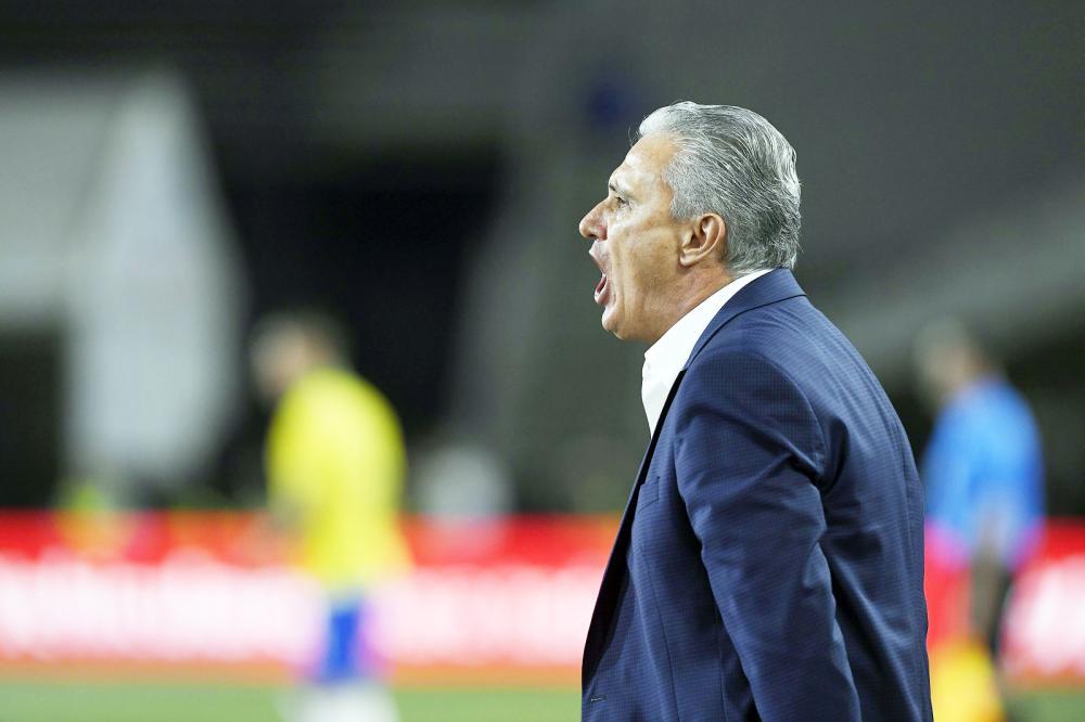 Técnico Tite coloca a culpa da derrota para o Peru no gramado - Foto: Kevork Djansezian/Getty Images