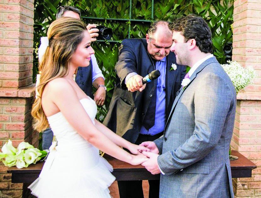 Ana Lucília e Caio Nárcio, noivos do prestigiado casamento da tarde do último sábado, na chácara Dona Amélia