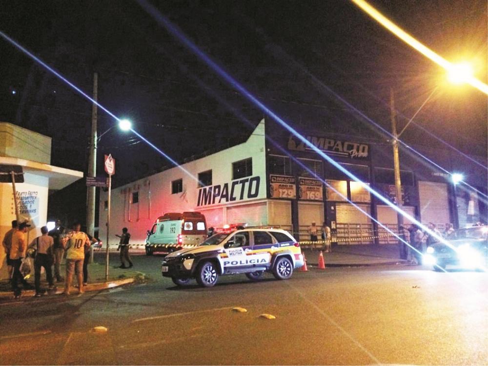 Acidente foi registrado na última sexta feira - Fotos: Juliano Carlos
