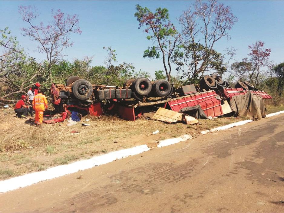 Bitrem ficou destruído após o acidente - Foto: Divulgação